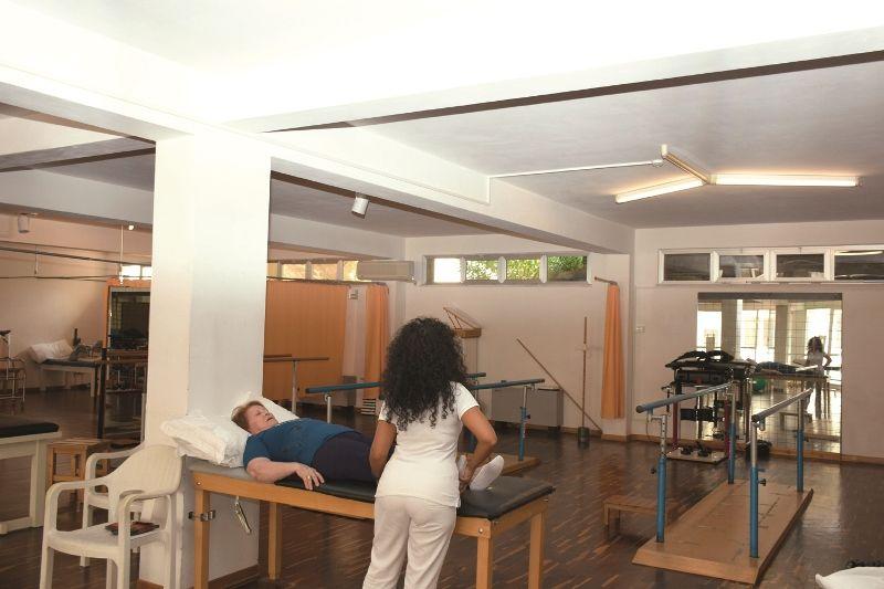 Un trattamento in palestra presso il Centro di Riabilitazione di Vieste