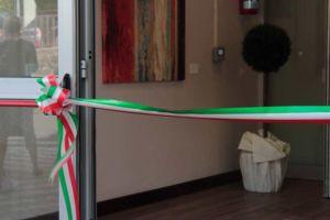 Il nastro pronto ad essere tagliato per l'inaugurazione del nuovo Centro di Riabilitazione di Gavinana della Fondazione Turati