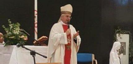 L'Arcivescovo di Vieste Mons. Castoro durante la messa per la Giornata Mondiale del Malato