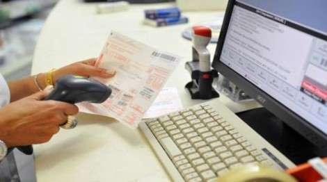 In uno studio dell'AGENAS quanto spendono gli italiani per i ticket per la specialistica, l'intramoenia, il pronto soccorso ed altri ticket, esclusi i farmaci. Le diverse normative regionali.
