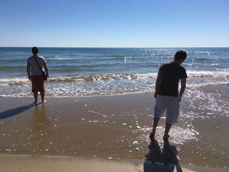 Passeggiata in riva al mare a Vieste